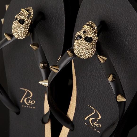e47ca46e0c7ab Rio Custom Women s Flip Flops Rocker Skull Black